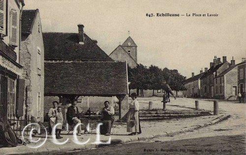 Echilleuse-La-Place-et-Lavoir-t